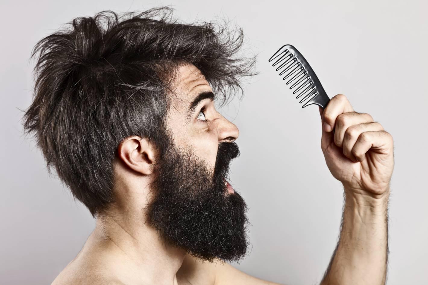 Por qué caen los cabellos en una gran cantidad a las mujeres